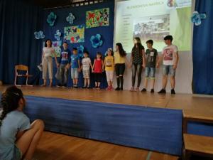 Velik aplavz za bralko veznega teksta Muniro in igralce: Armina, Ajdina, Blendona, Saro, Jasmino, Lauro, Vjoso, Osmona in Gzima.